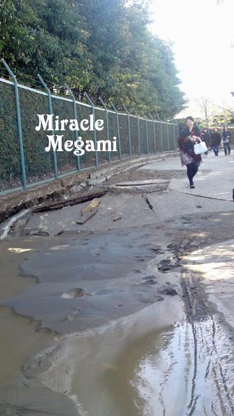 地震で液状化2